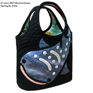 画像1: 【限定】ステンドグラスキルト:ジンベエのミニラウンドバッグ